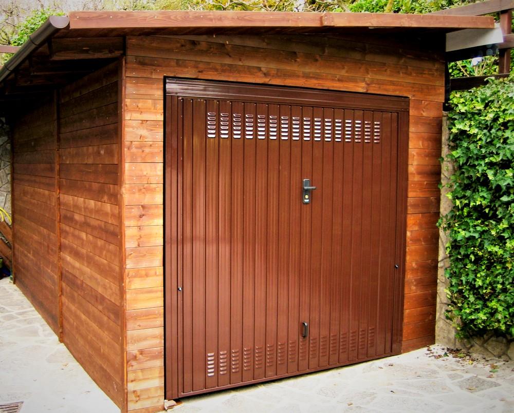 Box e tettoie in legno per auto for Tettoie per auto usate