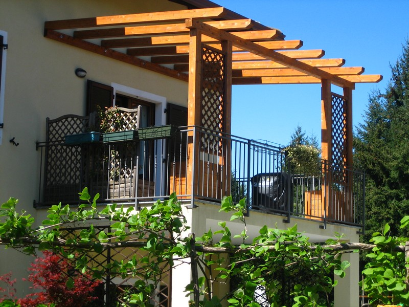 Beautiful Pergolati In Legno Per Terrazzi Gallery - House Design ...