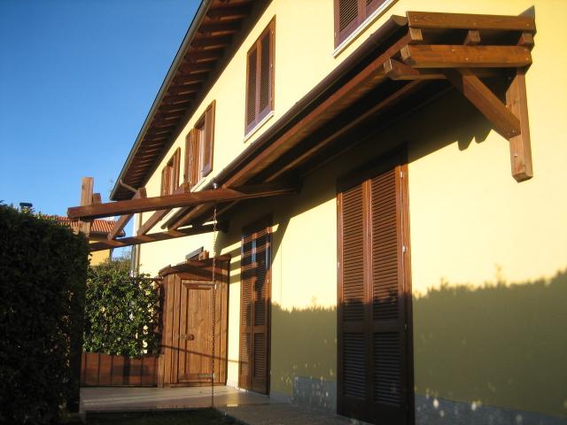 Tettoie in legno falda singola e doppia artecasaservice for Piani modulari per casa artigiani